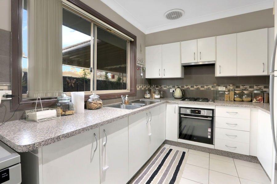 35 Kilbride Avenue, Dharruk NSW 2770, Image 1