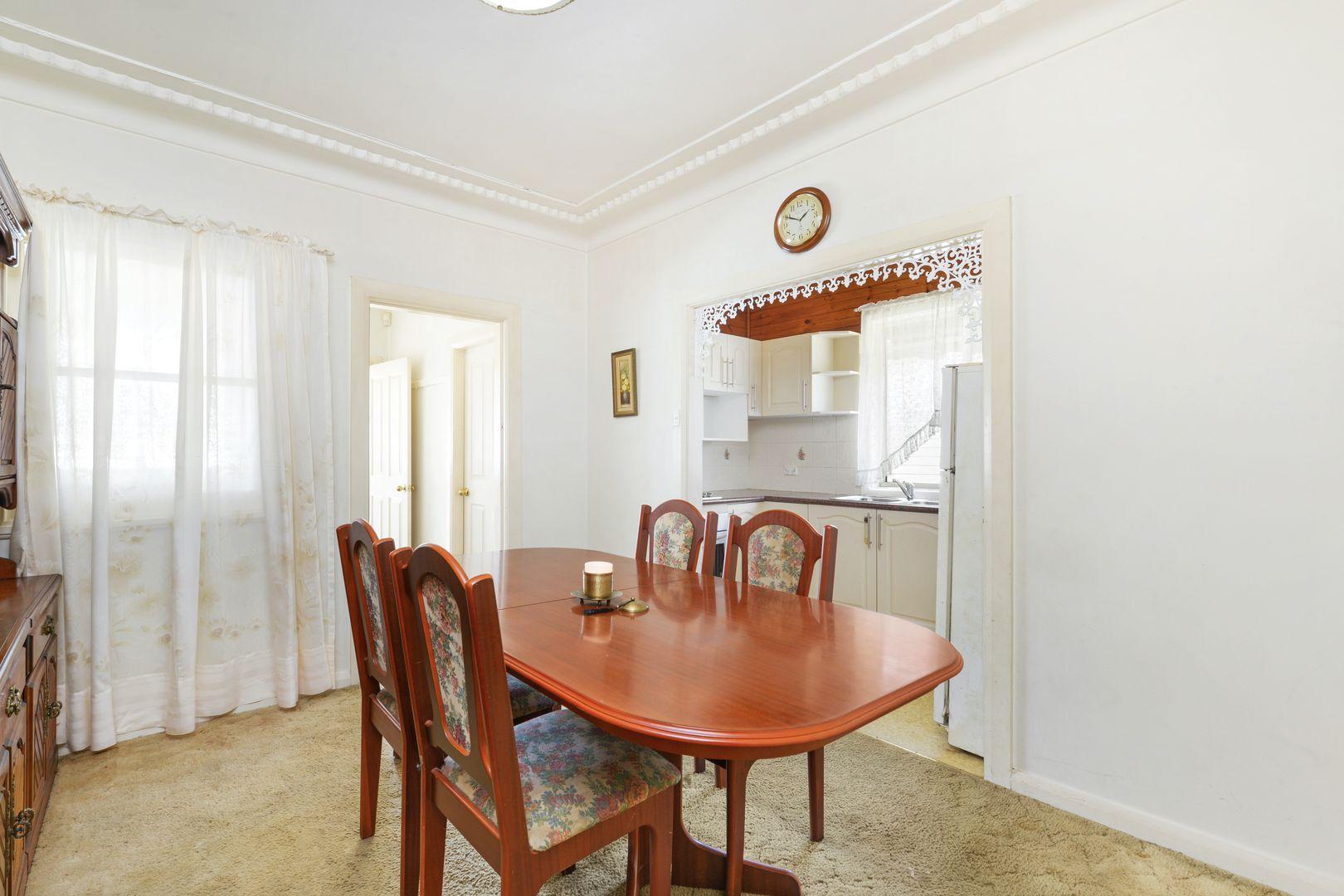 14 Mountview Avenue, Gwynneville NSW 2500, Image 2