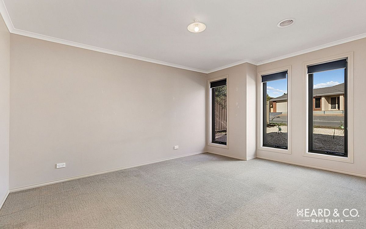 9 Terage Court, California Gully VIC 3556, Image 2