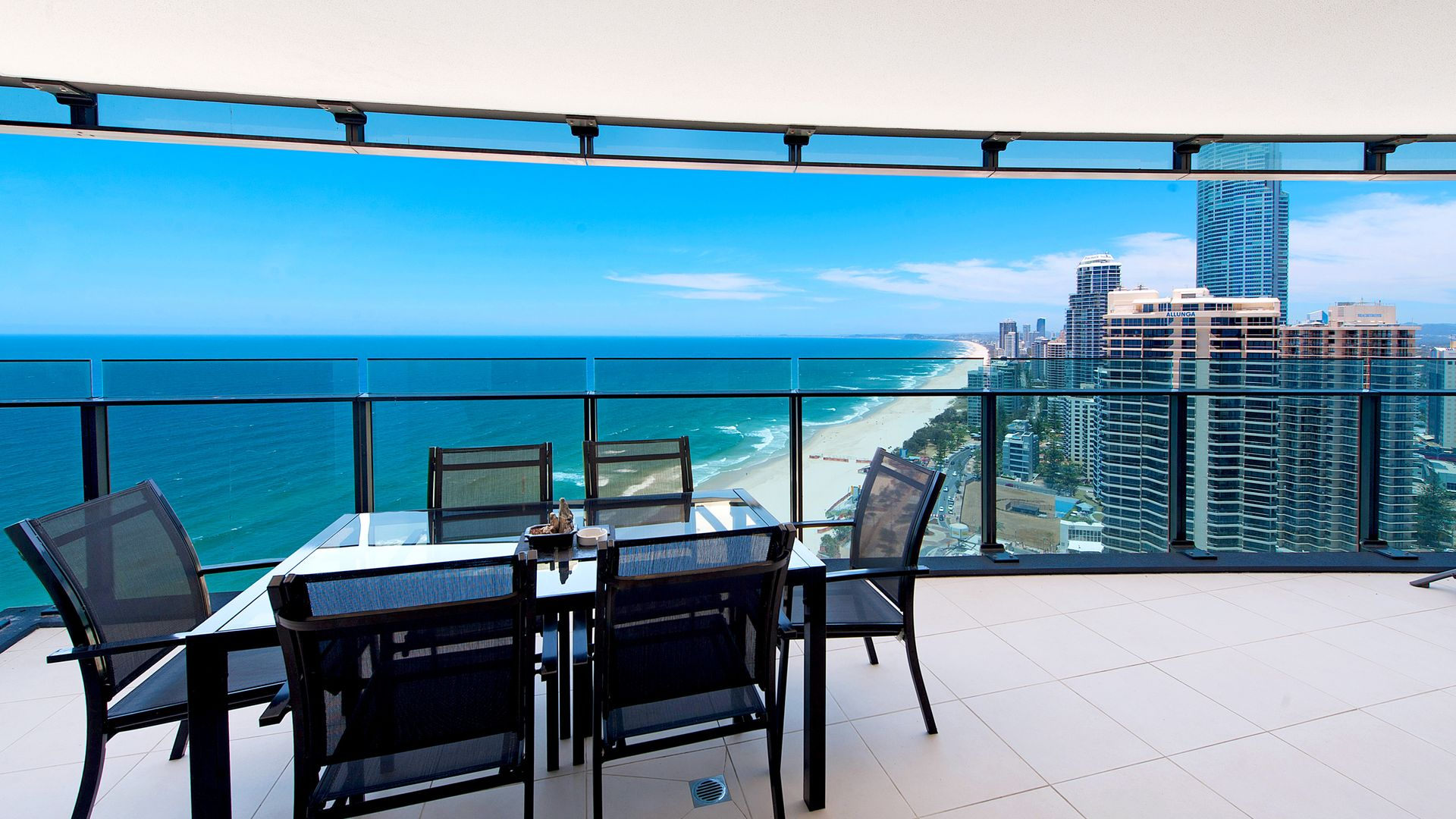 1802/4 The Esplanade, Surfers Paradise QLD 4217, Image 2