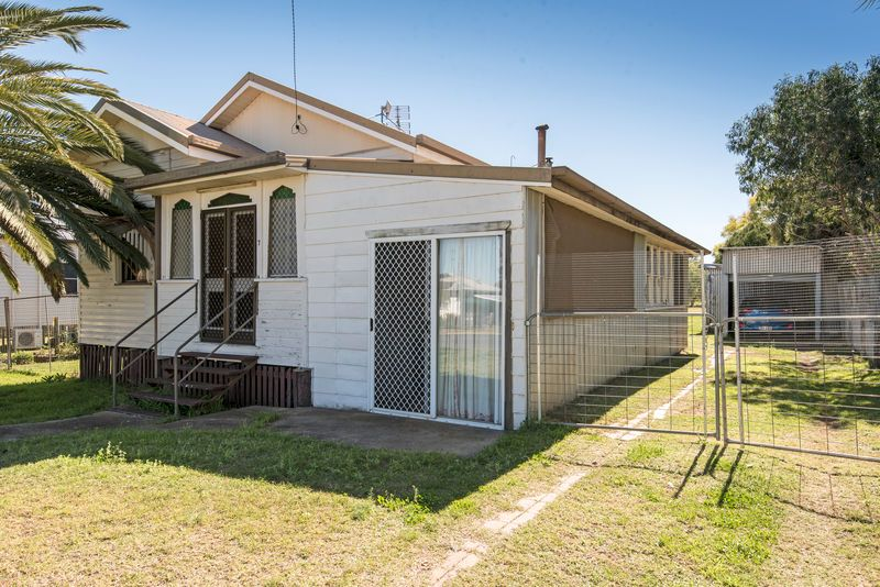 7 Hartwig Street, Goombungee QLD 4354, Image 1