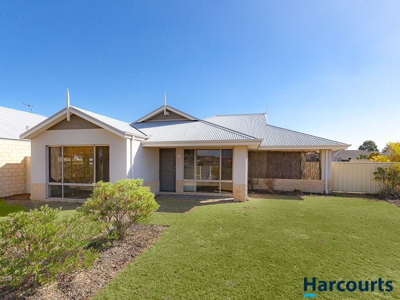 7 EDGEWORTH CIRCUIT, Tapping WA 6065, Image 0