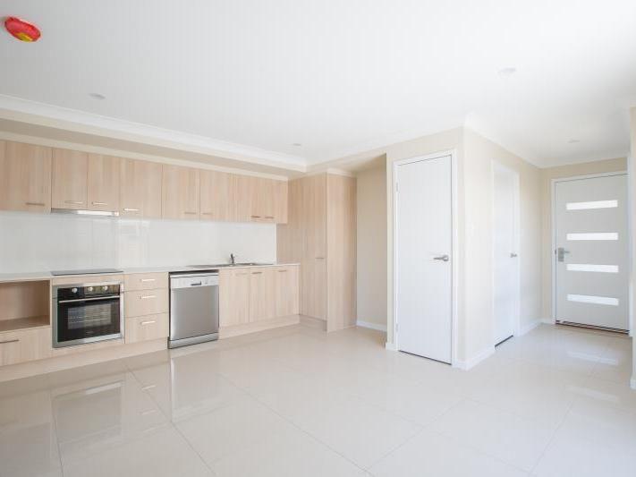 2/19 Bassett Lane, Rosewood QLD 4340, Image 1