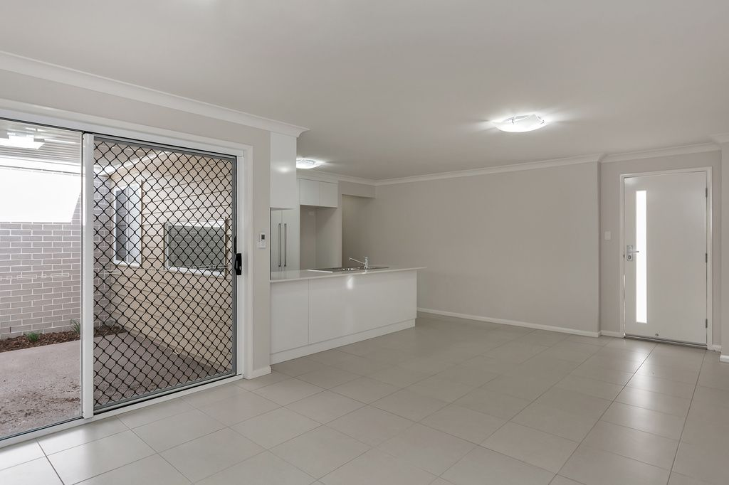 2/11 Furness Court, Kearneys Spring QLD 4350, Image 1