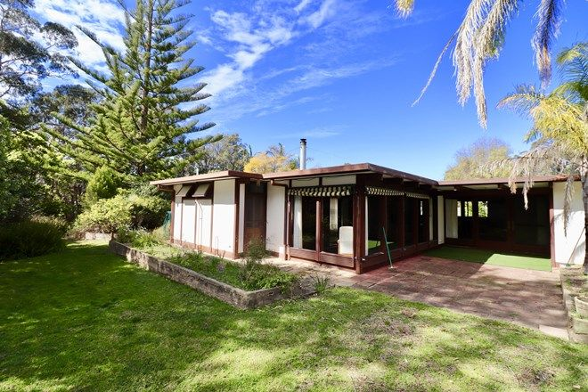 Picture of 71 Bastion Point Road, MALLACOOTA VIC 3892