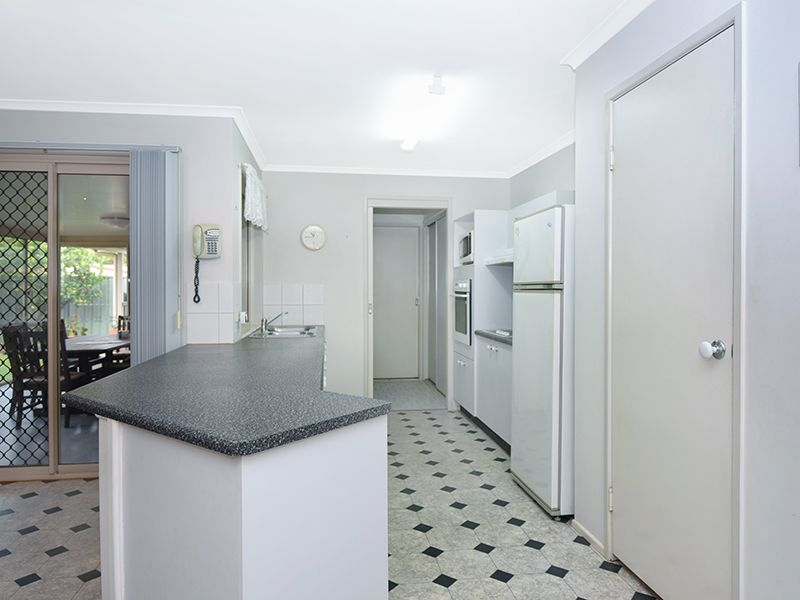 6 Connole Court, Kearneys Spring QLD 4350, Image 2