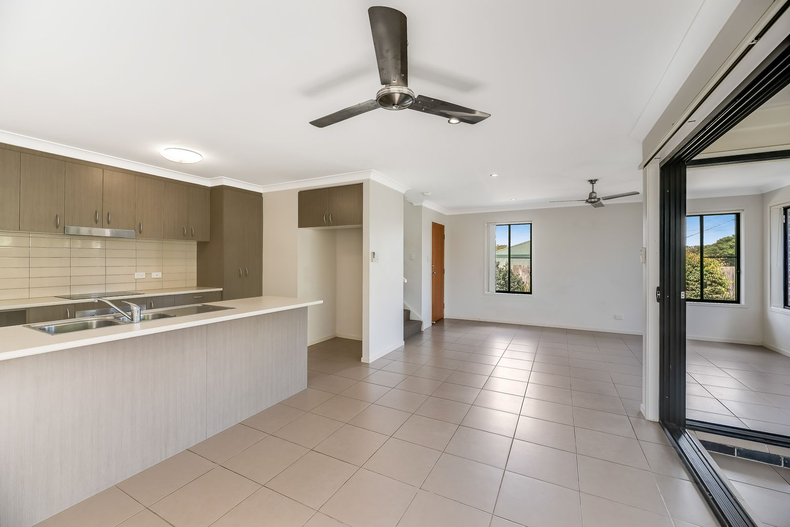 1/18 Mirle Street, Newtown QLD 4350, Image 2