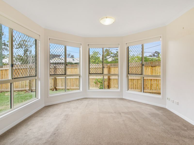 37 Nelson Parade, Indooroopilly QLD 4068, Image 2