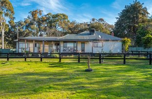 Picture of 89 Railway Road, Elphinstone VIC 3448