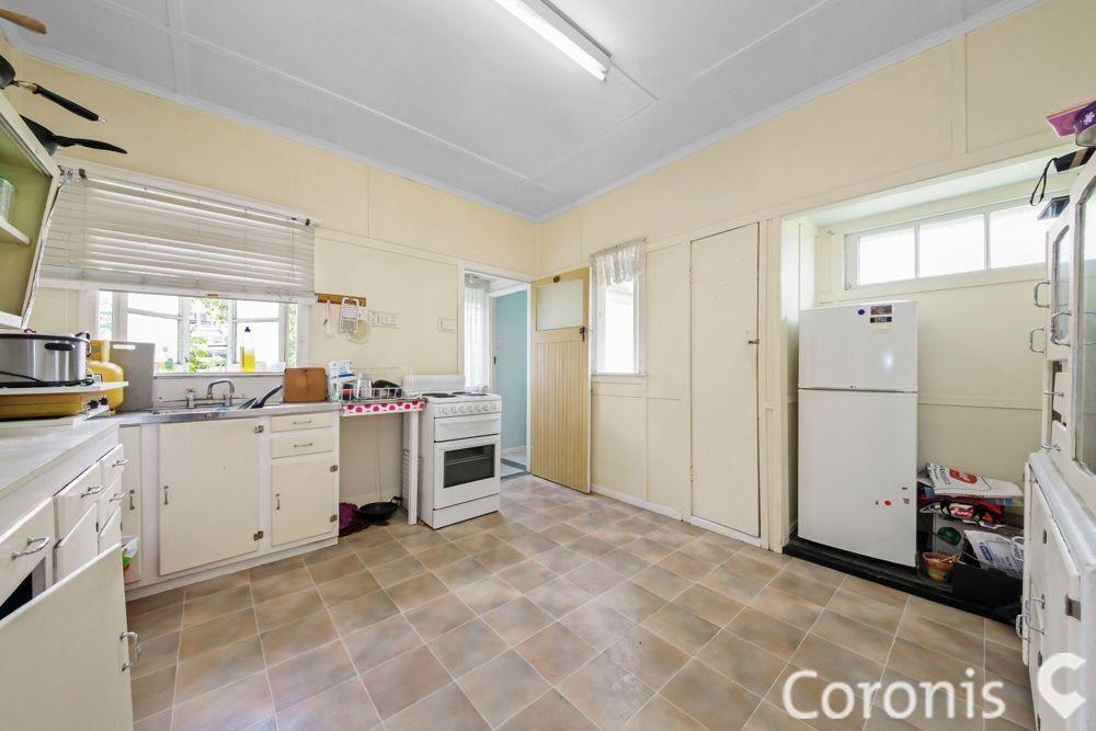 12 Princeton Street, Kenmore QLD 4069, Image 2