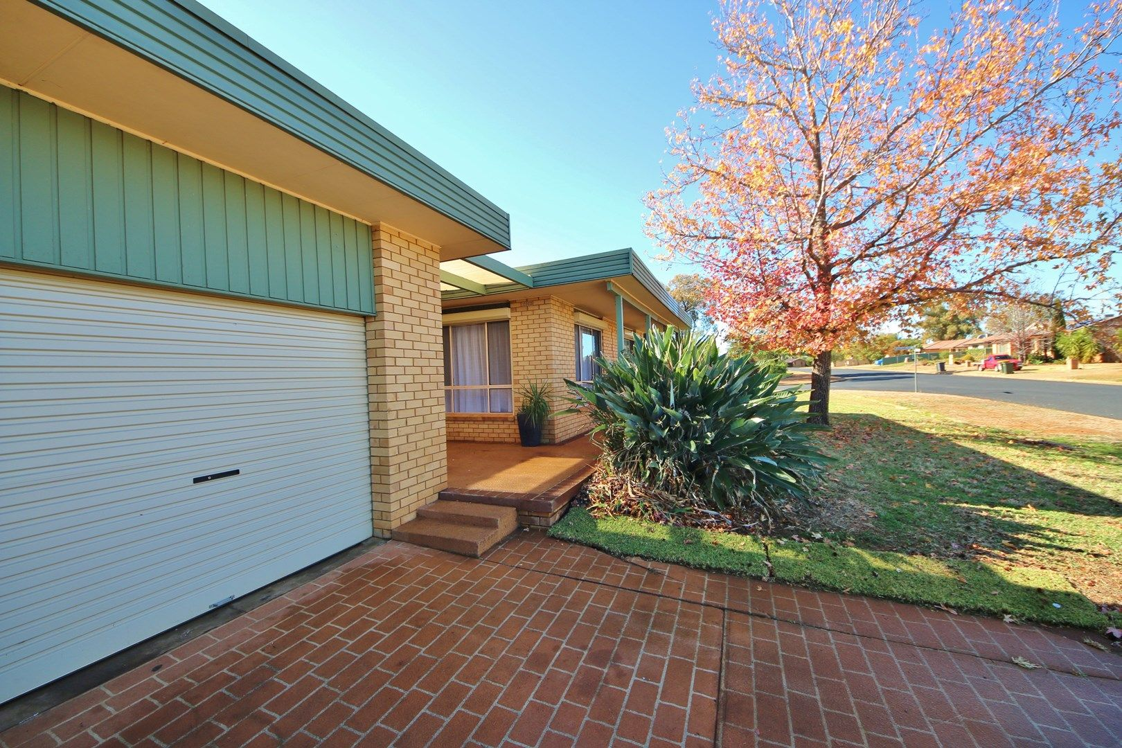 22a Oxley Circle, Dubbo NSW 2830, Image 0