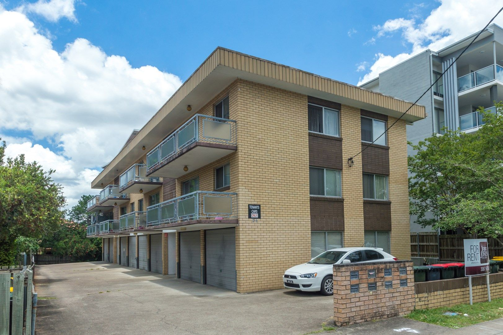 3/24 Carl Street, Woolloongabba QLD 4102, Image 0