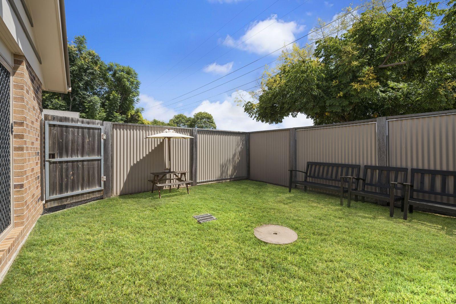 2/34 Gordon Avenue, Newtown QLD 4350, Image 2