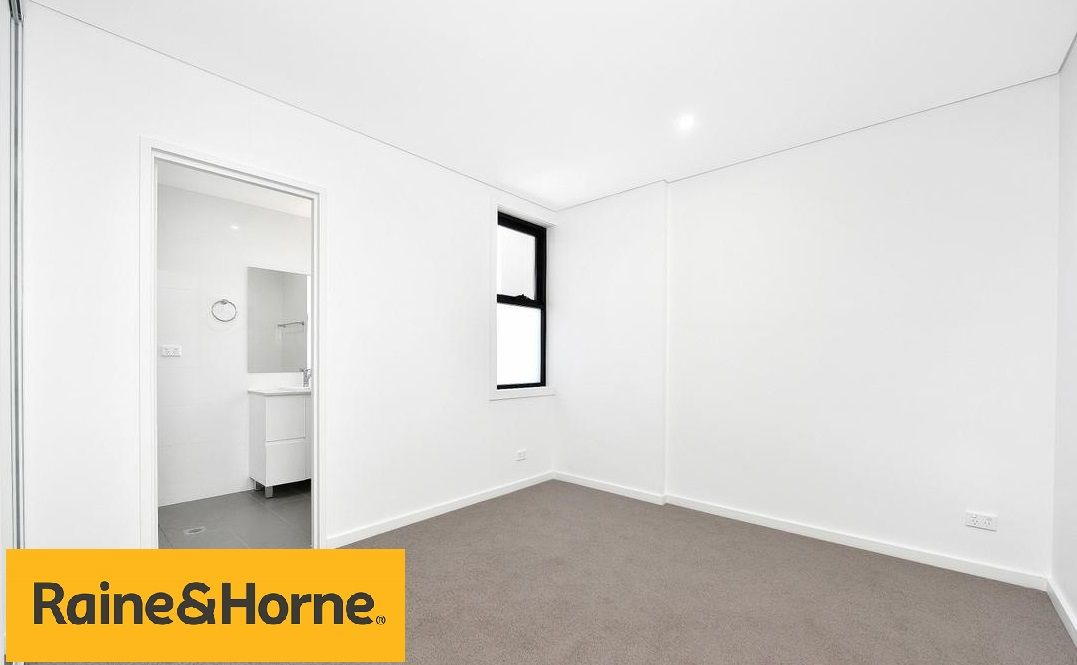 8/128 Moore Street, Liverpool NSW 2170, Image 2