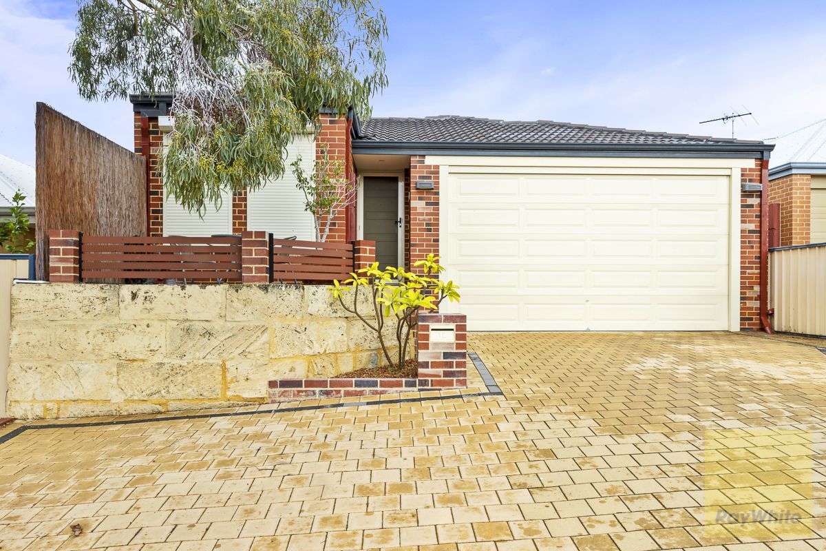 12 Hollywood Heights, Clarkson WA 6030, Image 1