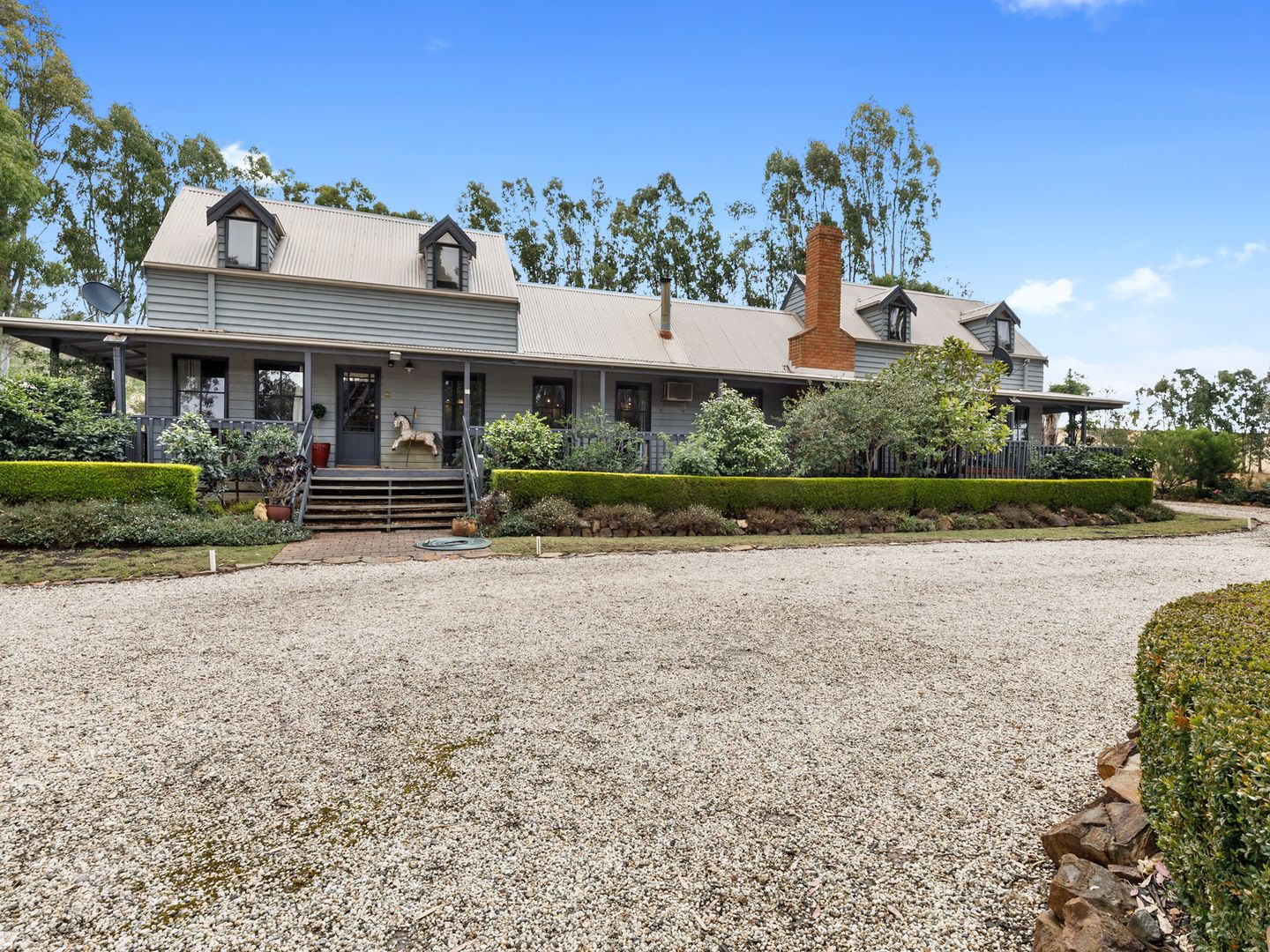 1310 Highlands Road, Whiteheads Creek VIC 3660, Image 2