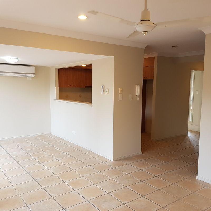 26 Buckingham Place, Eight Mile Plains QLD 4113, Image 1