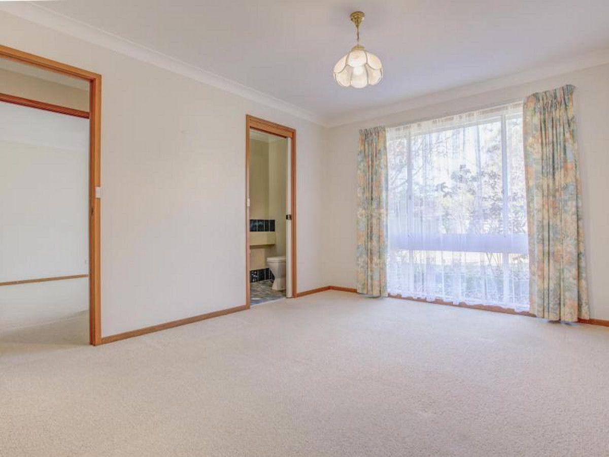 21 Lucinda Avenue, Springwood NSW 2777, Image 2