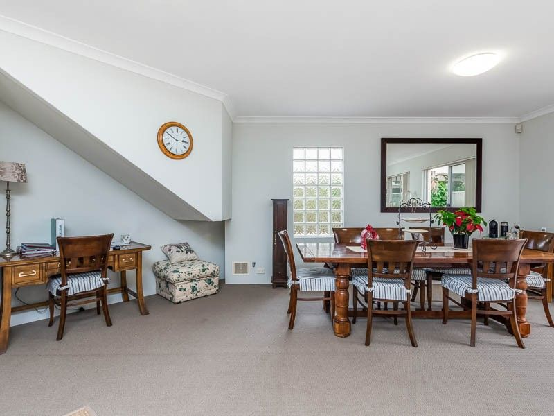 2/9 Macleod Road, Applecross WA 6153, Image 1