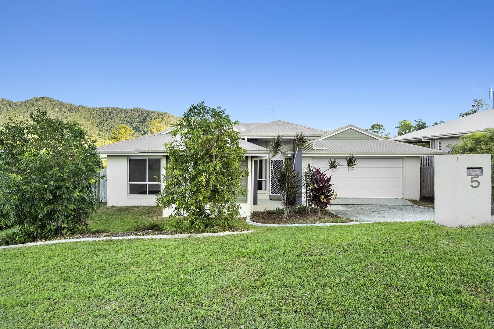 5 Helm Place, Cannon Valley QLD 4800, Image 0