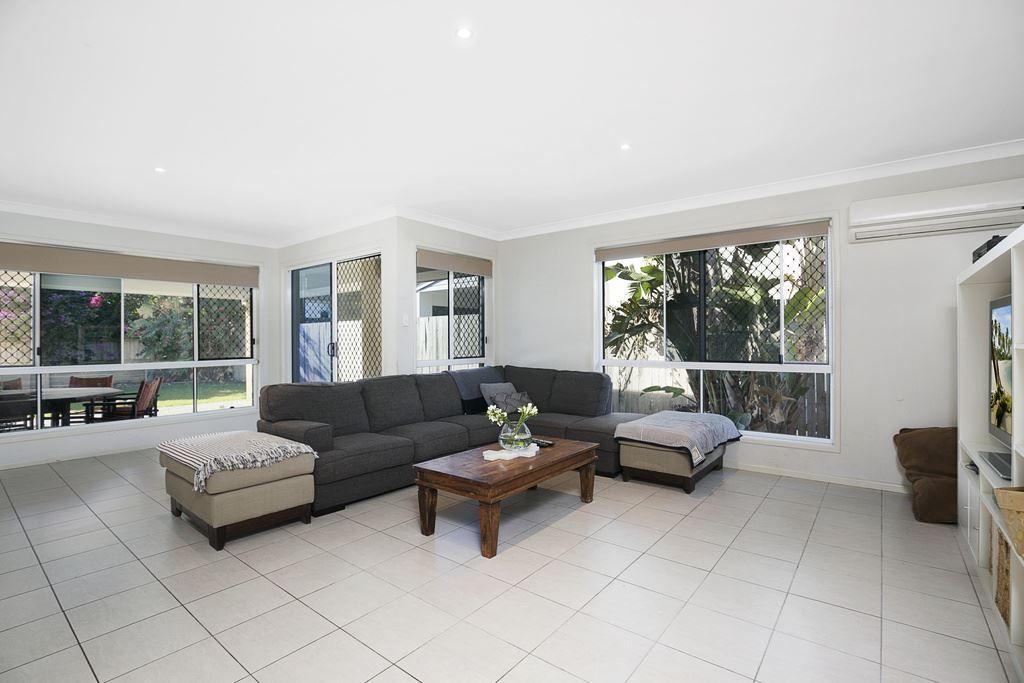 13 Sylvateere Crescent, Wakerley QLD 4154, Image 1
