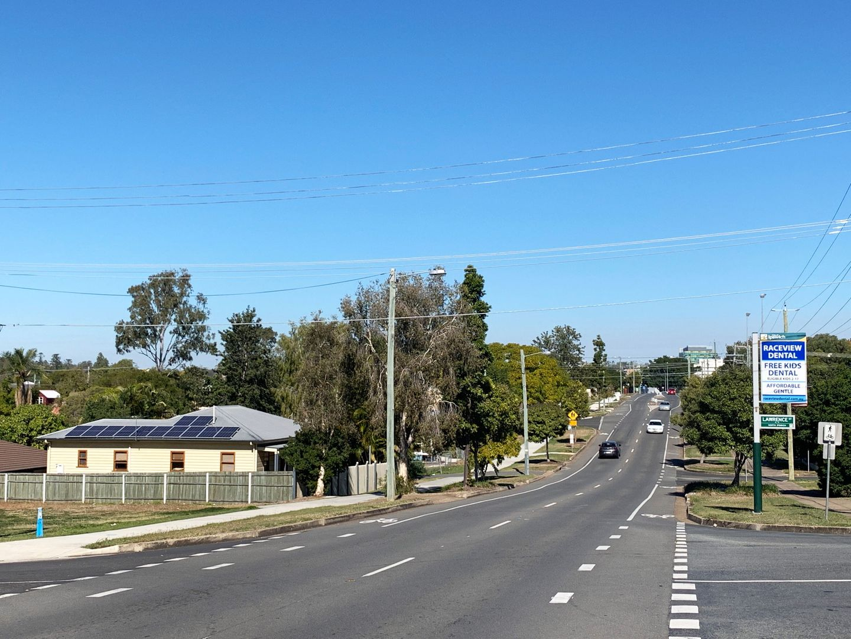 37 Pine Street, North Ipswich QLD 4305, Image 2