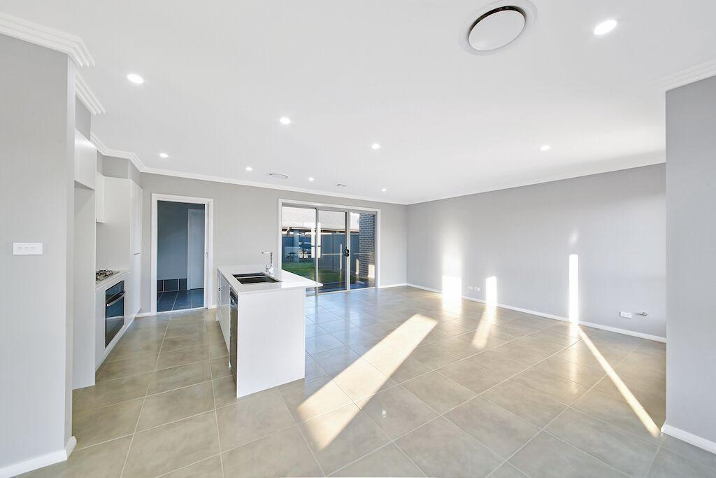 33 Egan Crescent, Cobbitty NSW 2570, Image 1