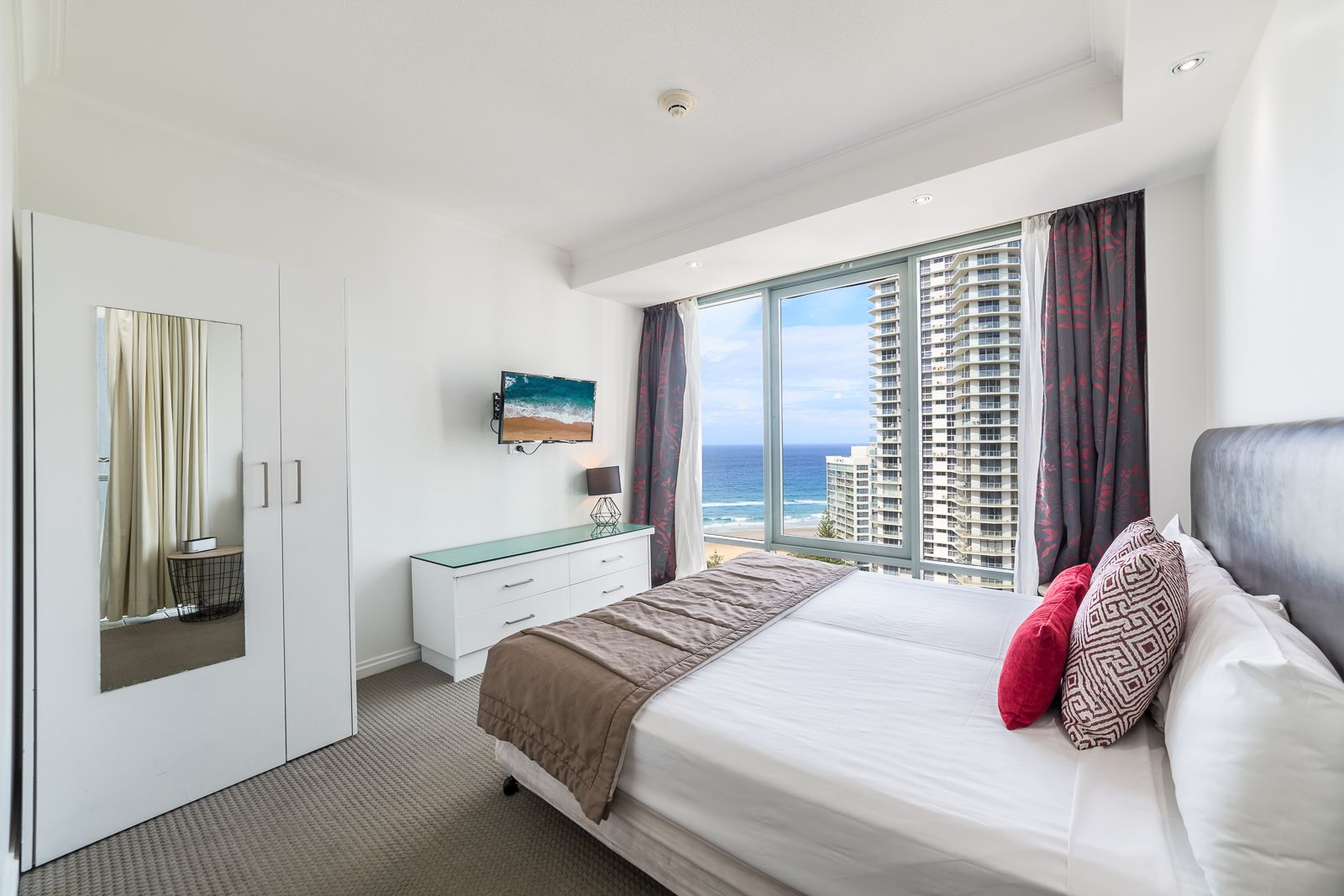 1713 & 1714/25 Laycock Street, Surfers Paradise QLD 4217, Image 1