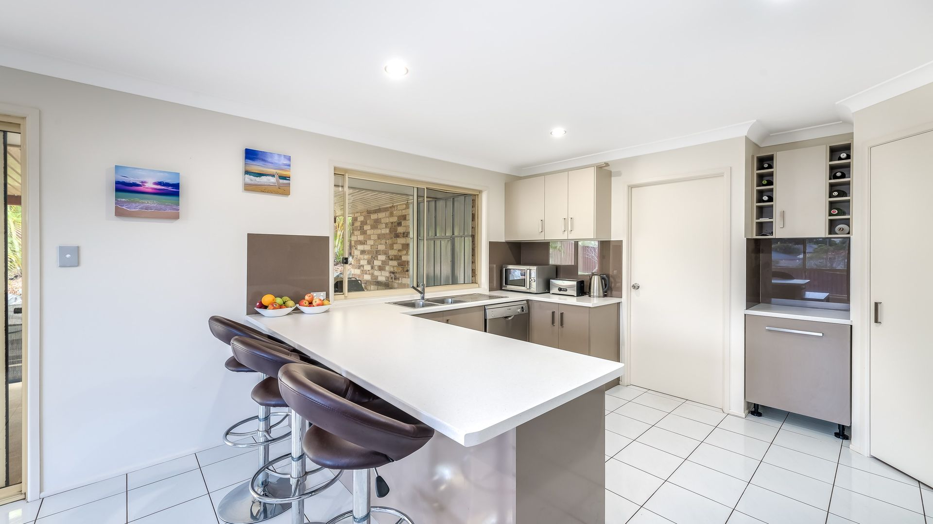 8 Atoli Rise, Pacific Pines QLD 4211, Image 1