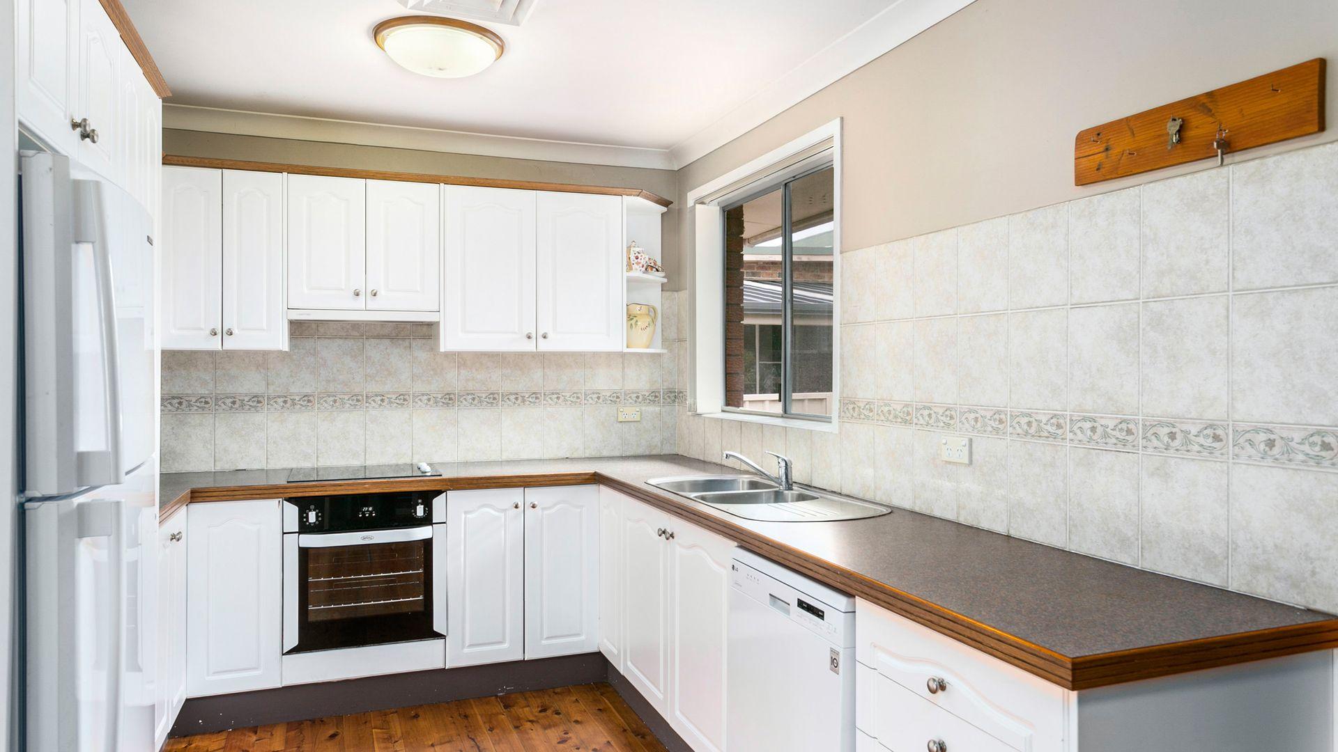 19 Hopetoun Street, Oak Flats NSW 2529, Image 2