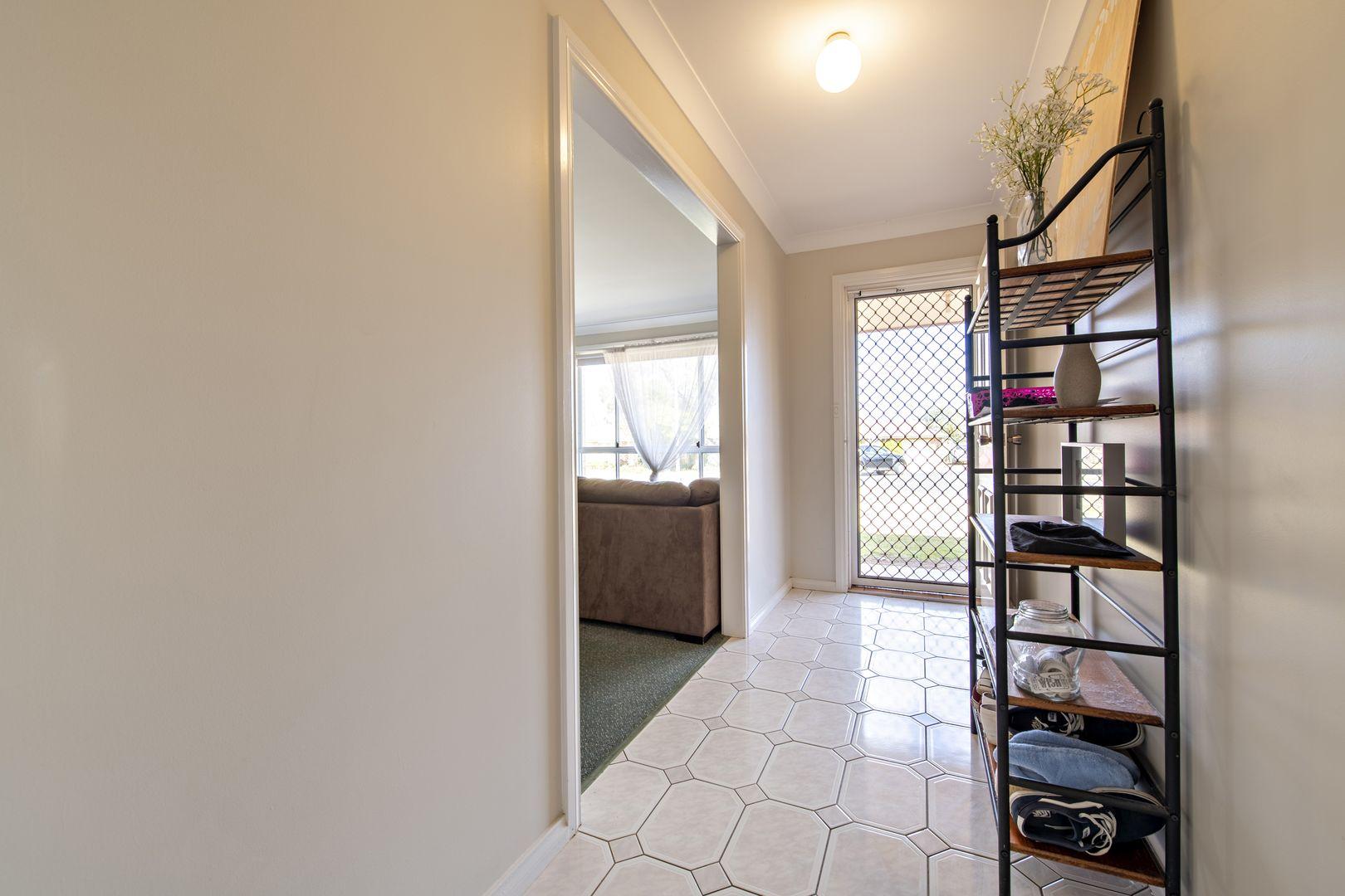 13 Wren Place, Dubbo NSW 2830, Image 2