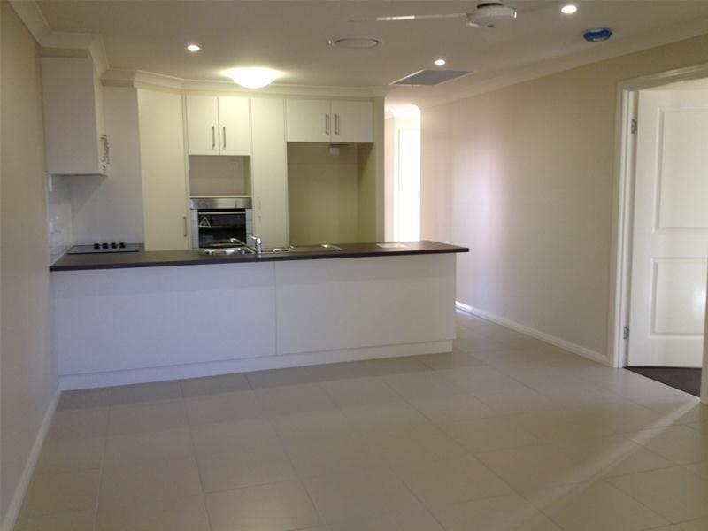 2/7 Platz Street, Chinchilla QLD 4413, Image 1