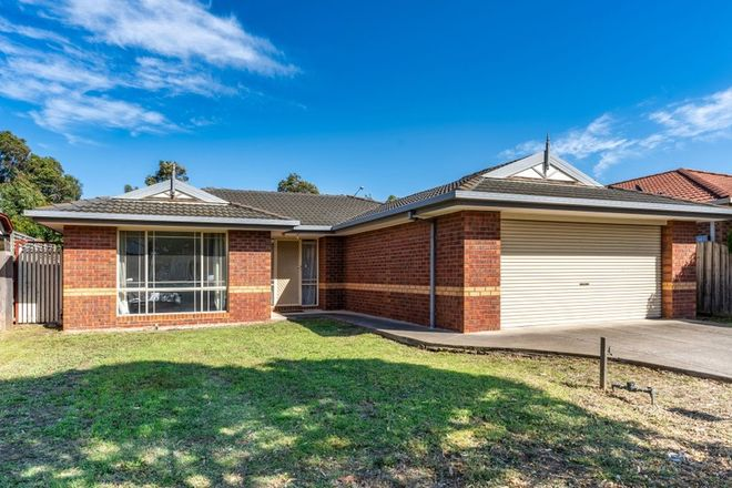Picture of 11 Lachlan Crescent, ROXBURGH PARK VIC 3064
