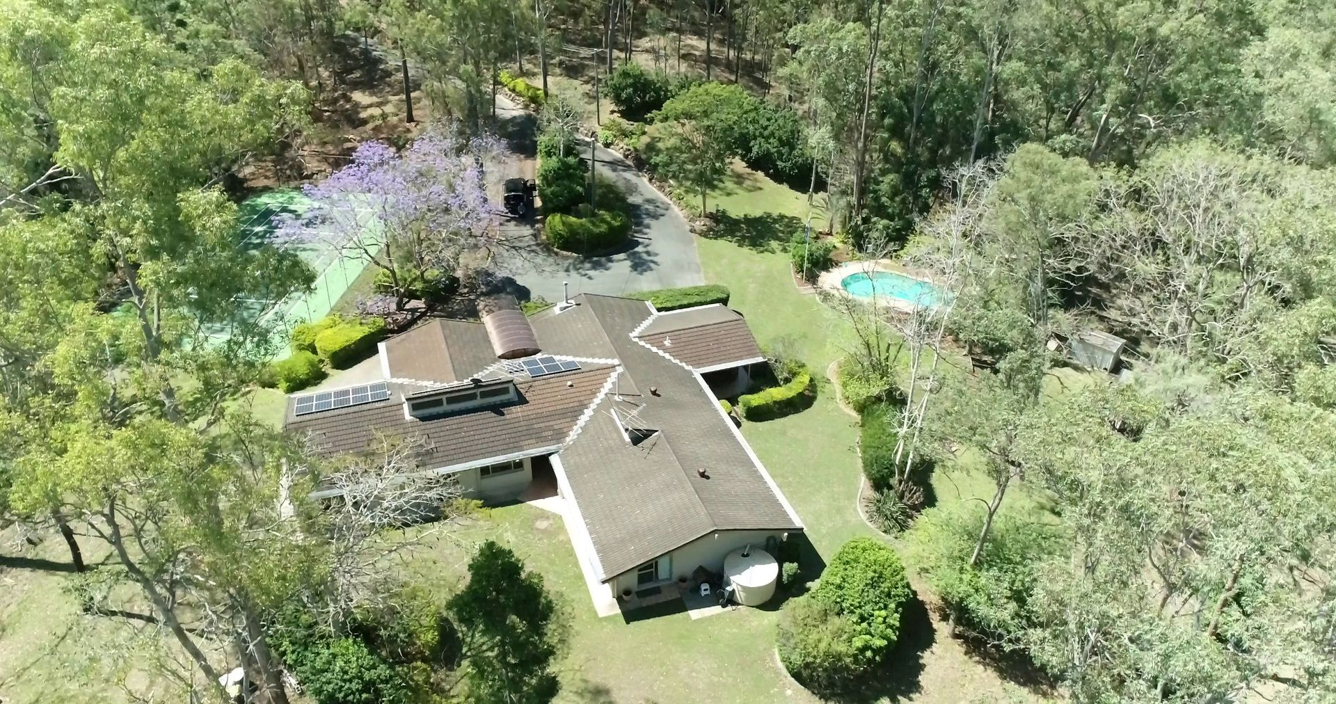 28 Greentrees Avenue, Kenmore Hills QLD 4069, Image 2