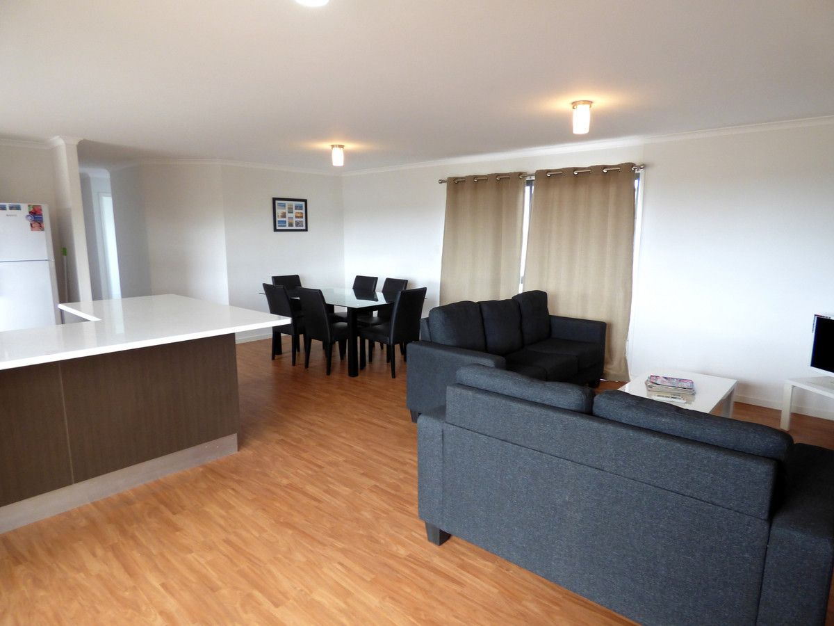 2/2 Coneybeer Terrace, Port Neill SA 5604, Image 2