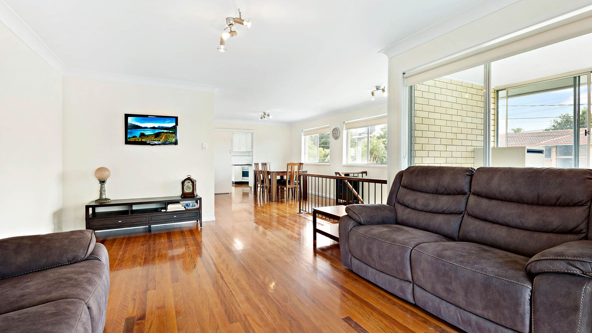 27 Salandra Street, Mansfield QLD 4122, Image 1