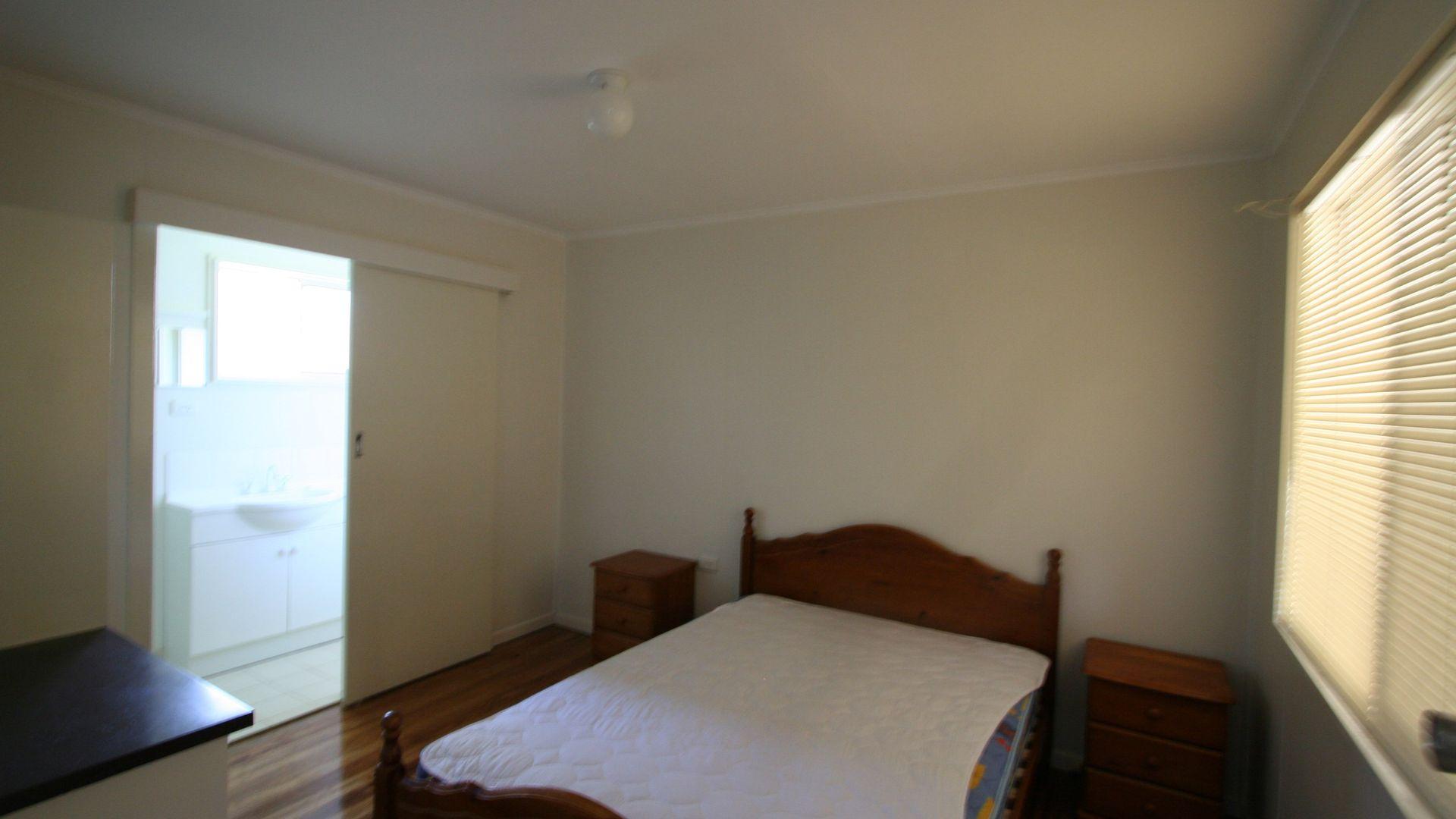 4/160 Bulwer St, Tenterfield NSW 2372, Image 2