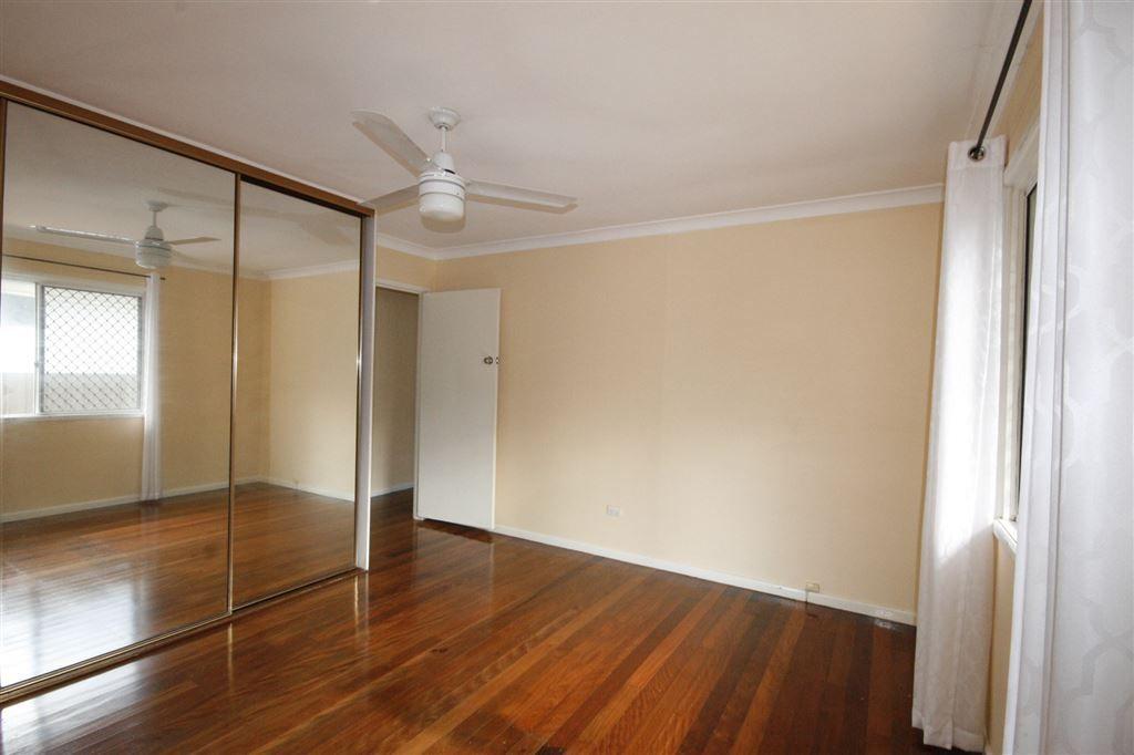 14 Grantsell Street, Aspley QLD 4034, Image 2