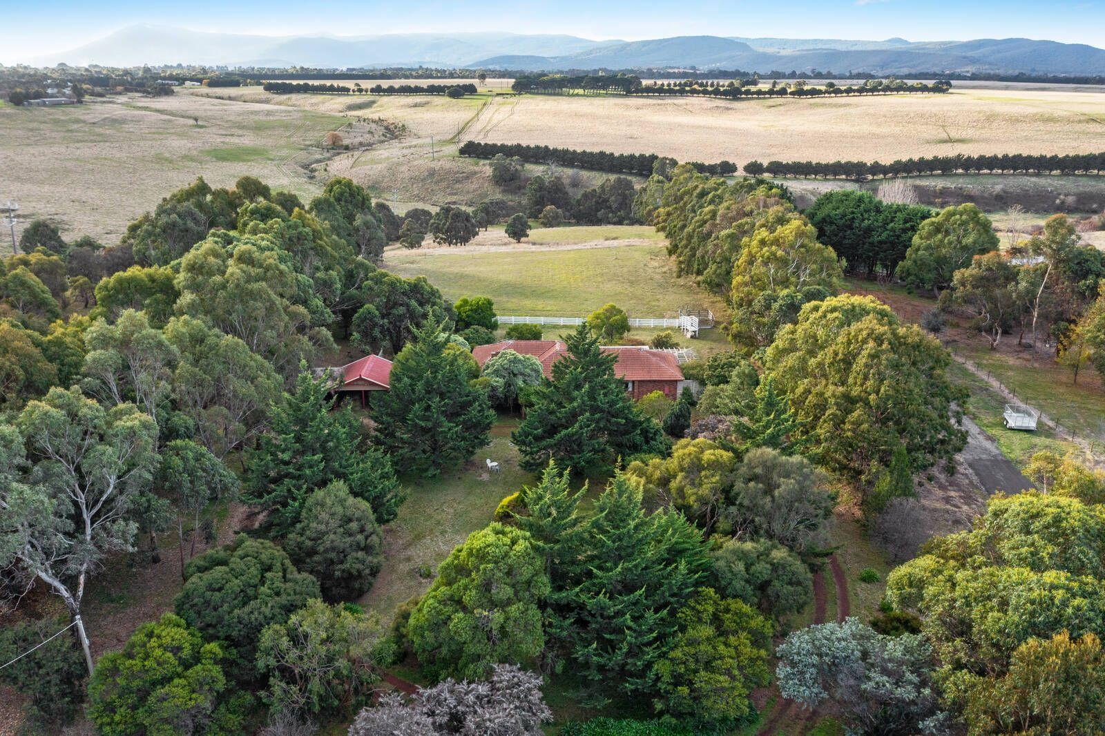60 High View  Crescent, Gisborne VIC 3437, Image 0