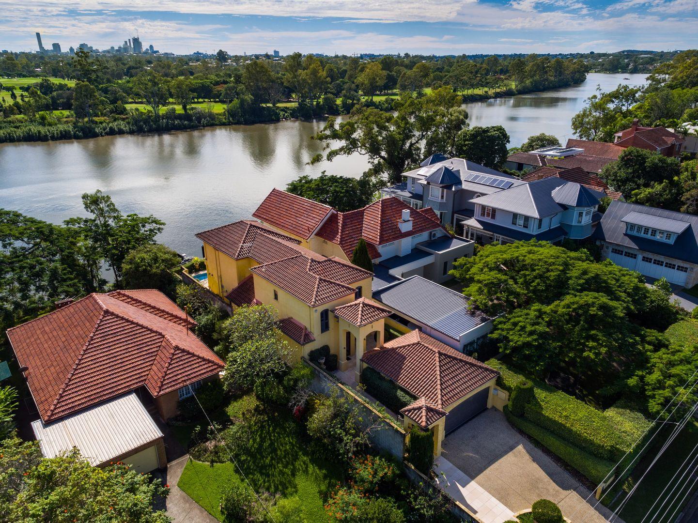 21 King Arthur Terrace, Tennyson QLD 4105