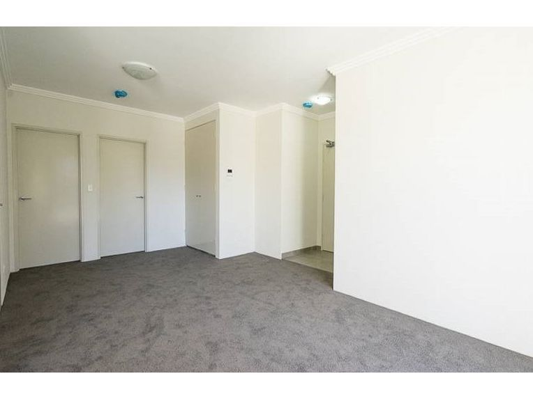 20/8a Northcote Road, Hornsby NSW 2077, Image 2