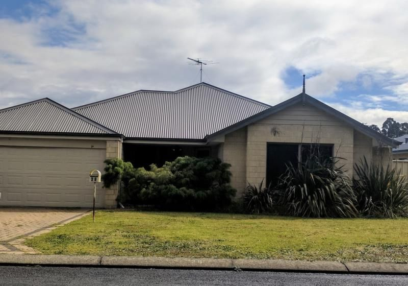 28 Laurie Street, Collie WA 6225, Image 0