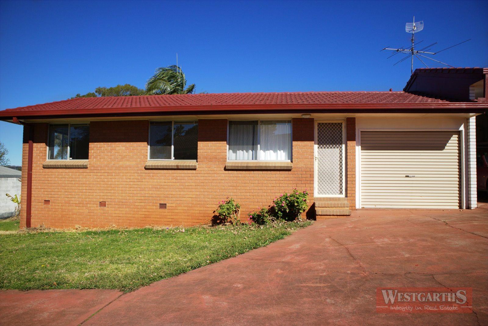 2/54 Hoey Street, Kearneys Spring QLD 4350, Image 0