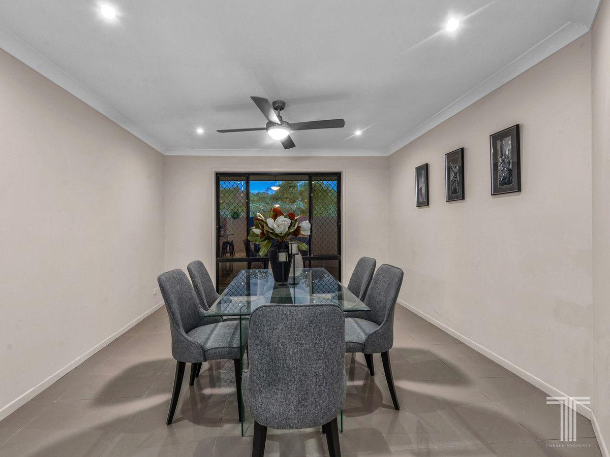 81 Kenilworth Place, Carindale QLD 4152, Image 2