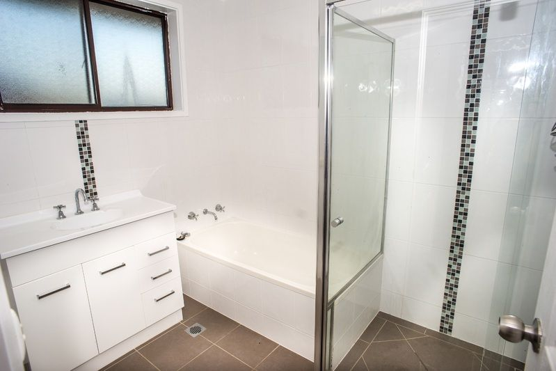 1/560 Hague Street, Lavington NSW 2641, Image 1