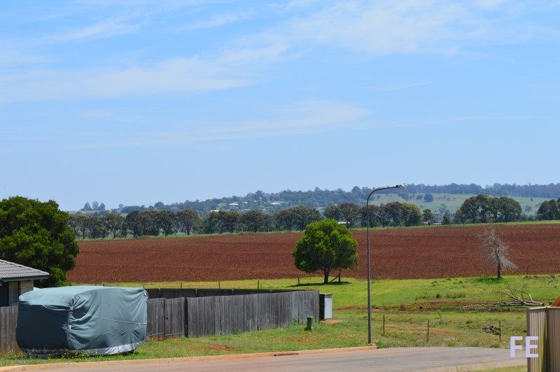 33 Frangipani Drive, Kingaroy QLD 4610, Image 2