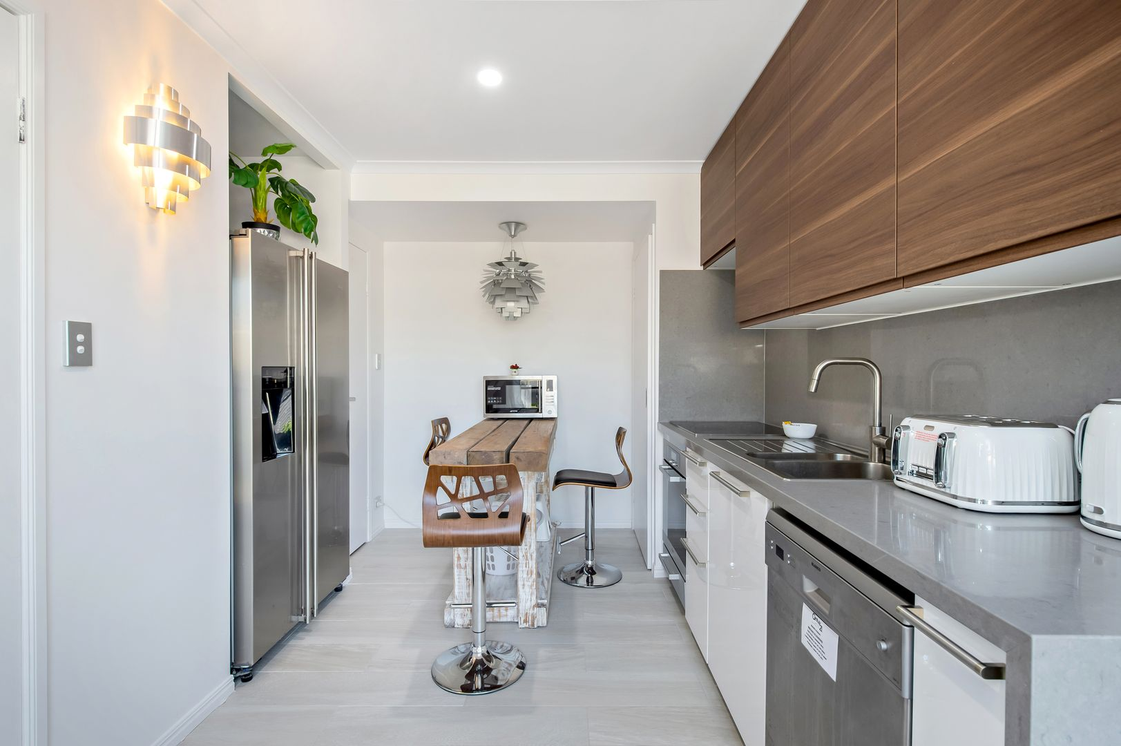 8/23-27 Bailey Street, Woody Point QLD 4019, Image 2
