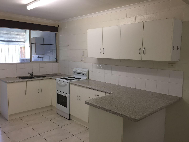 2/137 Albert Street, Cranbrook QLD 4814, Image 1