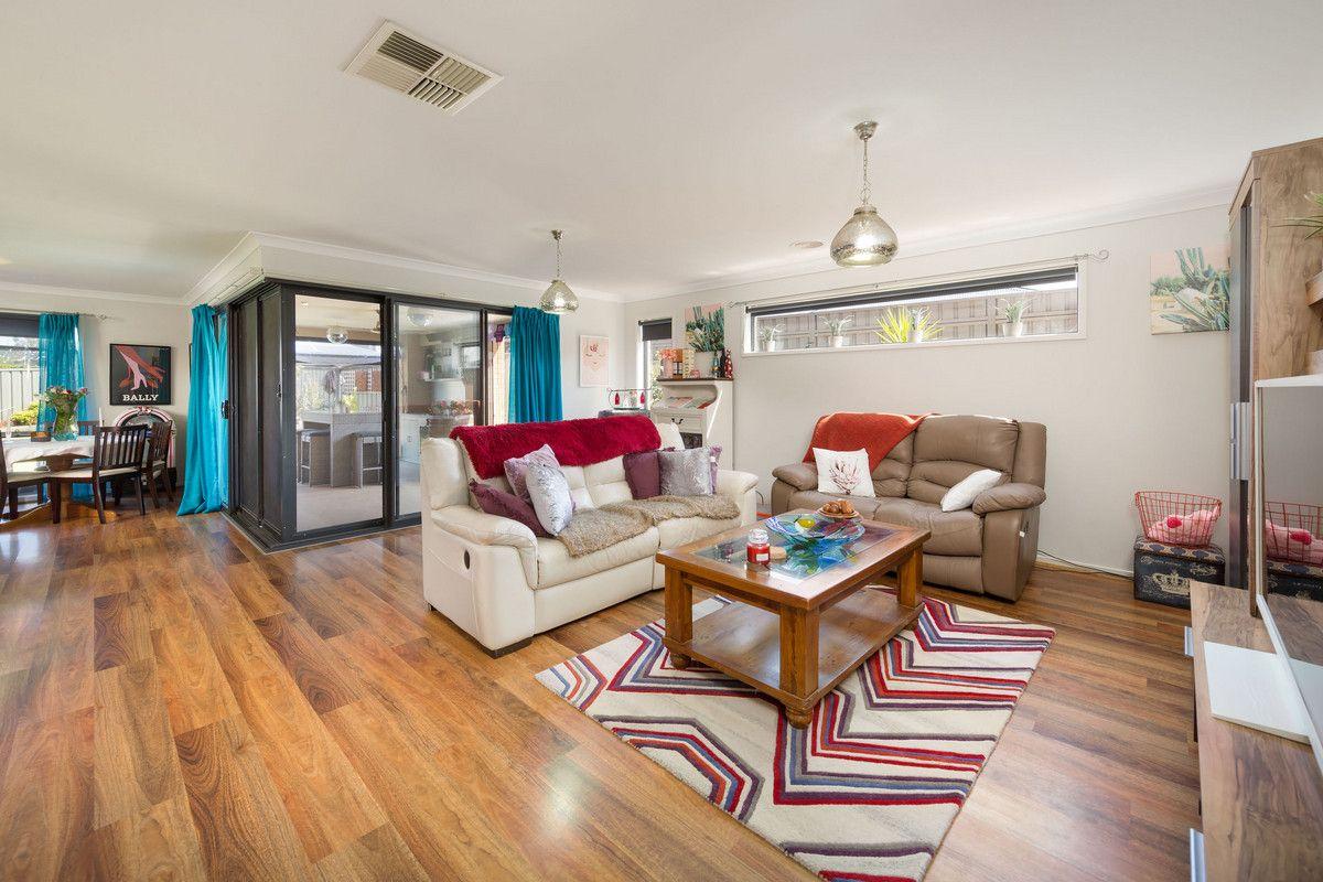 73 Oxford Drive, Thurgoona NSW 2640, Image 2