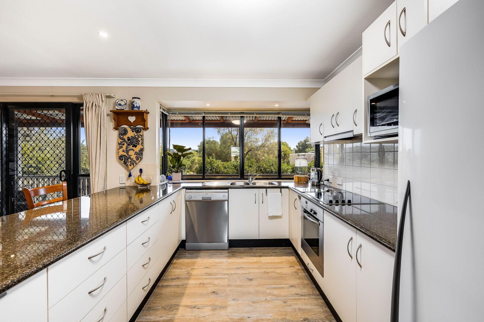 10 Murton Street, Nobby QLD 4360, Image 2